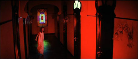 suspiria-red-hall